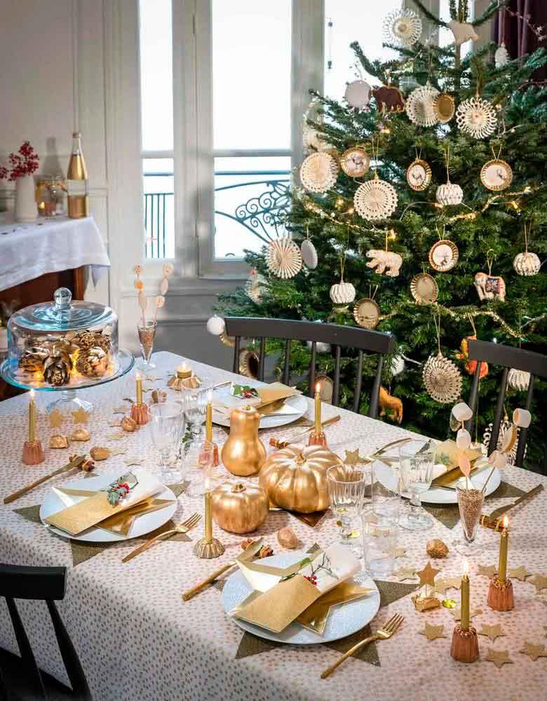 centro de mesa con motivos navideños